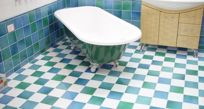 Pomysły na optyczne powiększenie łazienki
